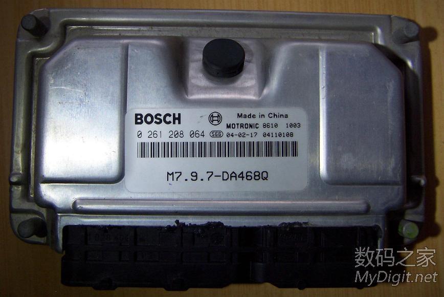 拆解哈飞路宝车ECU BOSCH M7.9.7 行业拆客高清图片