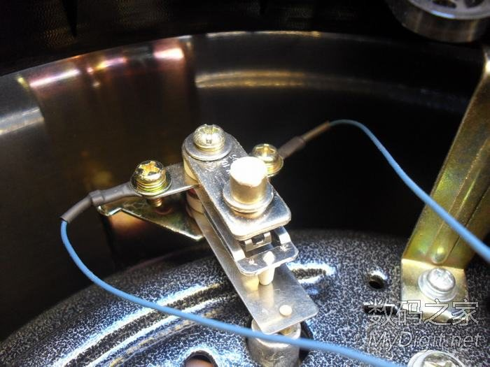 皇冠sjy60 100型电压力锅发热盘损坏拆换图解