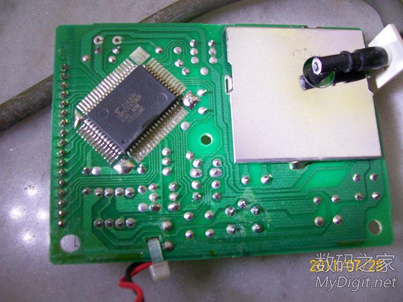 拆解欧姆龙电子血压计HEM-431C