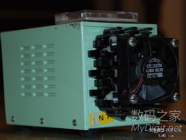 造的外形怪异的直流稳压电源,有电路图和许多图片图片