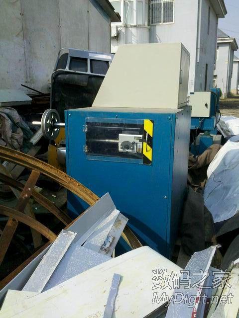 神光绕线机一台,重量应该在吨位级,估价2.7W