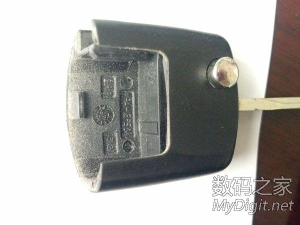 大众 汽车 电子车钥匙 电路板 电池高清图片