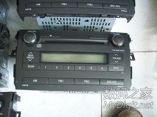 出几台丰田卡罗拉的车载CD机,改家用,100元3台
