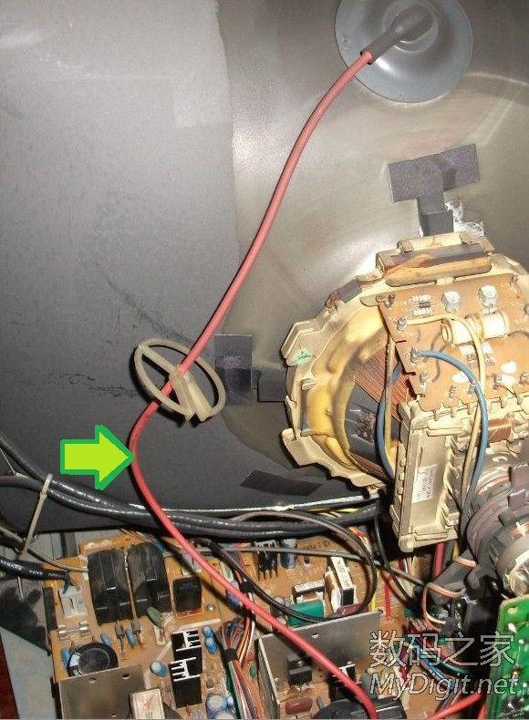 crt电视高压包线中间打火,开机就有 嗤嗤嗤 的声音高清图片