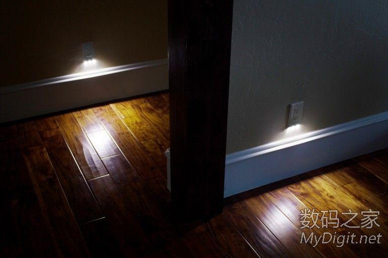 房间 面板/SnapRay底部带小夜灯的插座面板安装简便让夜晚里的房间不再...