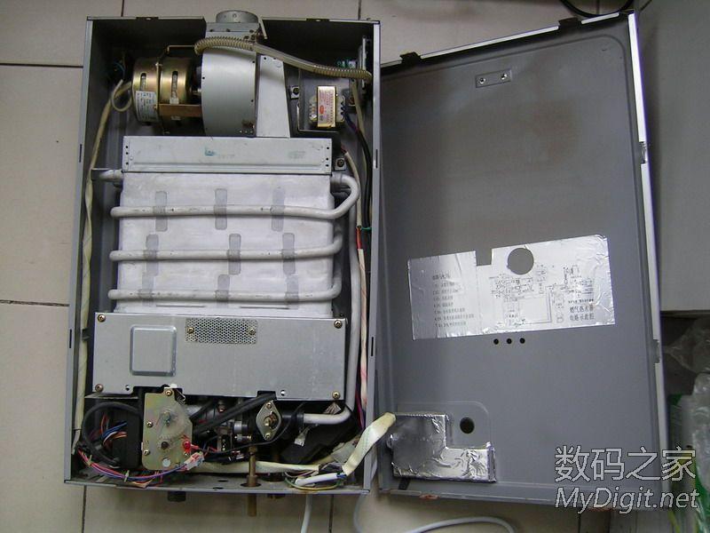 拆修万和电脑自动燃气热水器,水量调节阀漏水图片