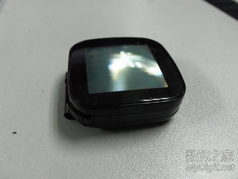 索尼第一代智能手表 闲置没用 趁放坏前给拆了 高清图片