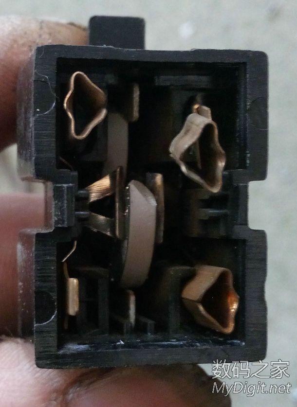 根据实物绘制新飞冰箱压缩机带启动电容原理图