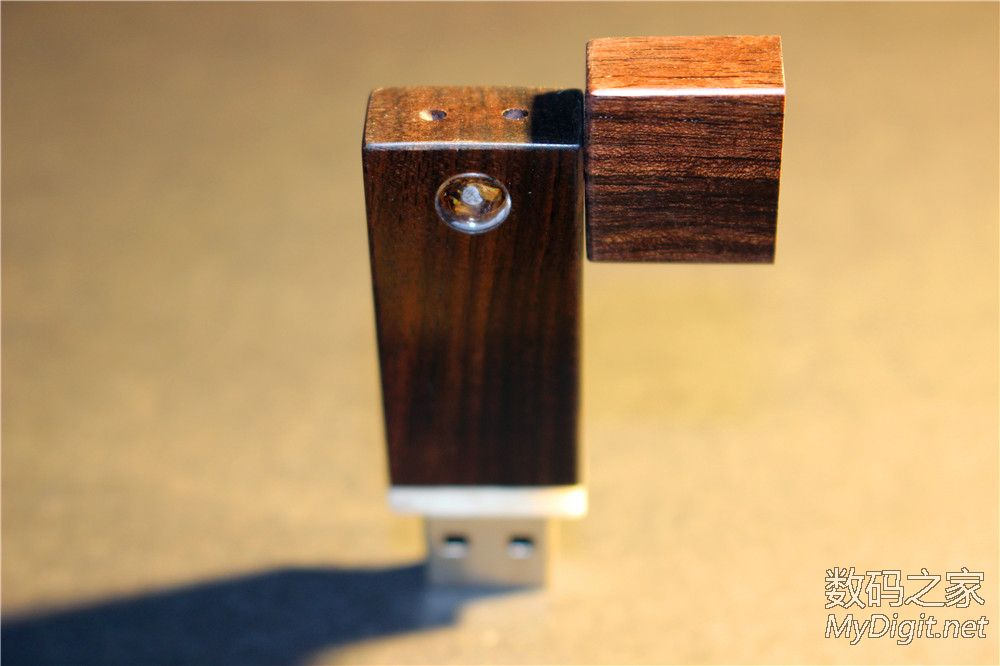 强磁附体!USB3.0 64G MLC黑黄檀木优盘制作全程