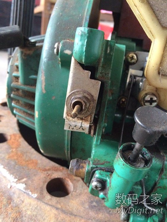 光头强的伐树工具~王牌汽油锯拆解维修,附另类用法视频