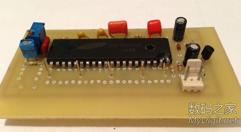 用废打印机改的雕刻机制作了第一块PCB,很方便!很满意!