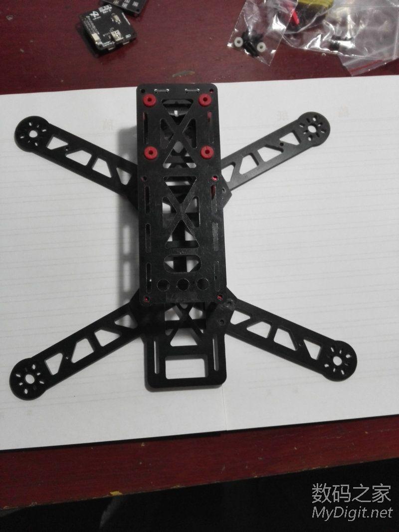组装一个四轴飞行器
