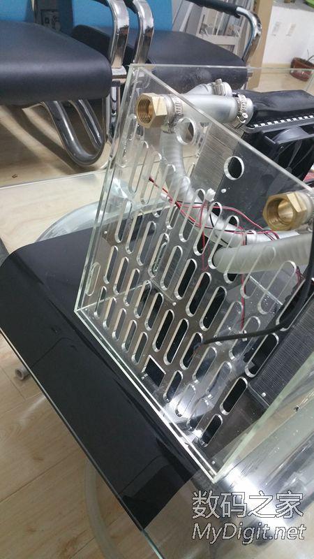 前段时间diy个激光雕刻机,激光管的水冷一直傻瓜式冷却,今天把他智能化。
