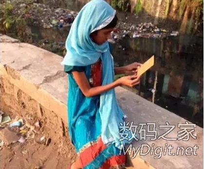 这个姑娘发明了一本可以喝的书,改变了6.63亿人的命运