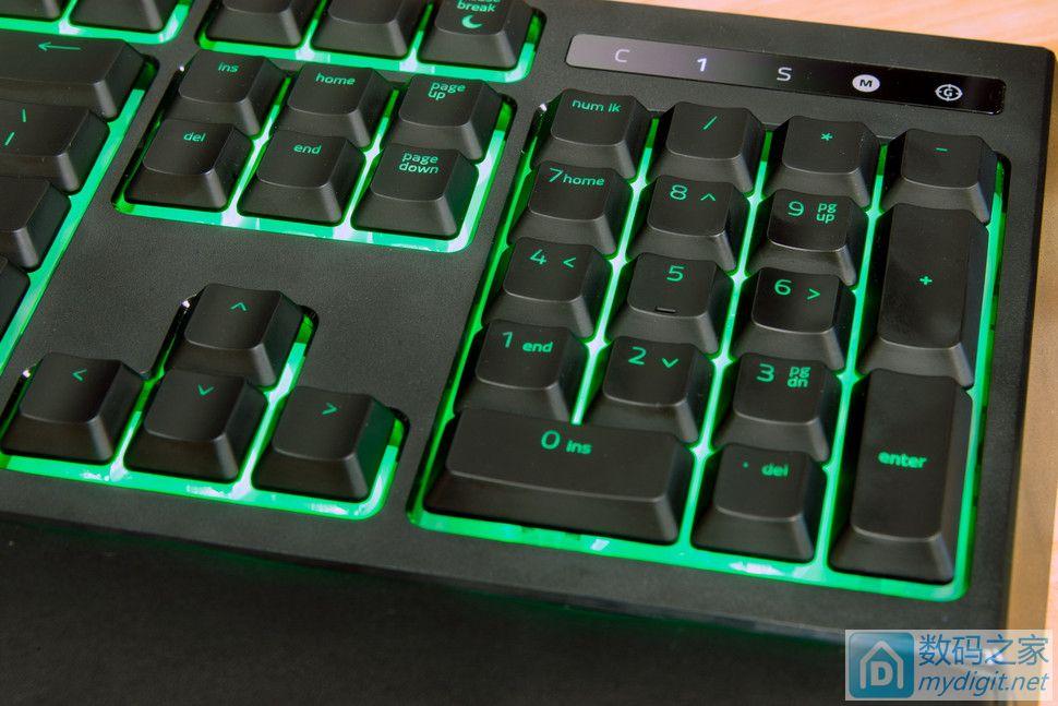 薄膜轴的手感机械轴的快速响应 雷蛇发布 Ornata 游戏键盘