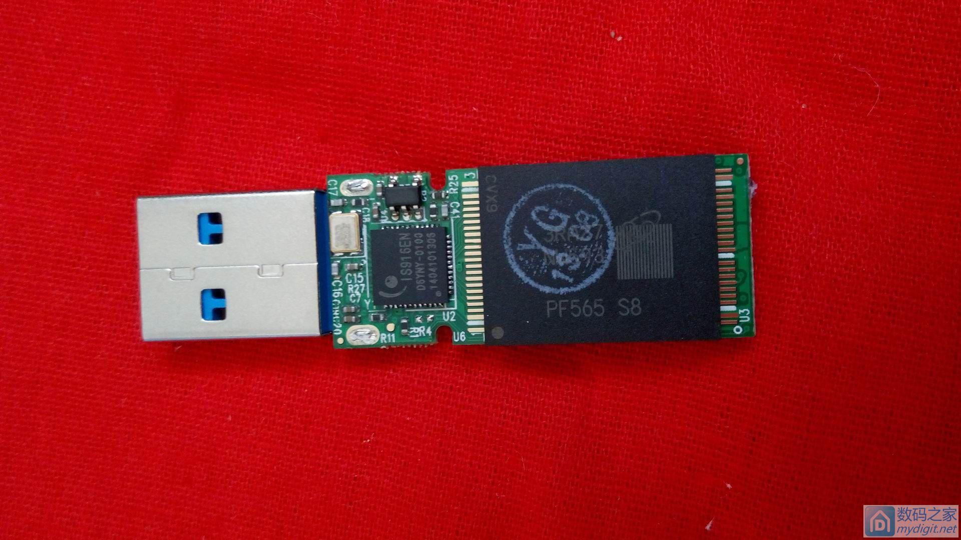 麦克赛尔领航128GB USB3.0 U盘拆解及简测~S8的大S降级片到底怎么样?