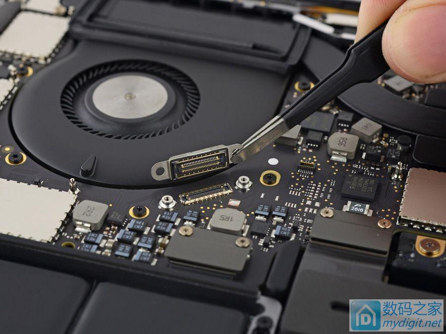 苹果13寸MacBook Pro高配版(带Touch Bar)拆机报告