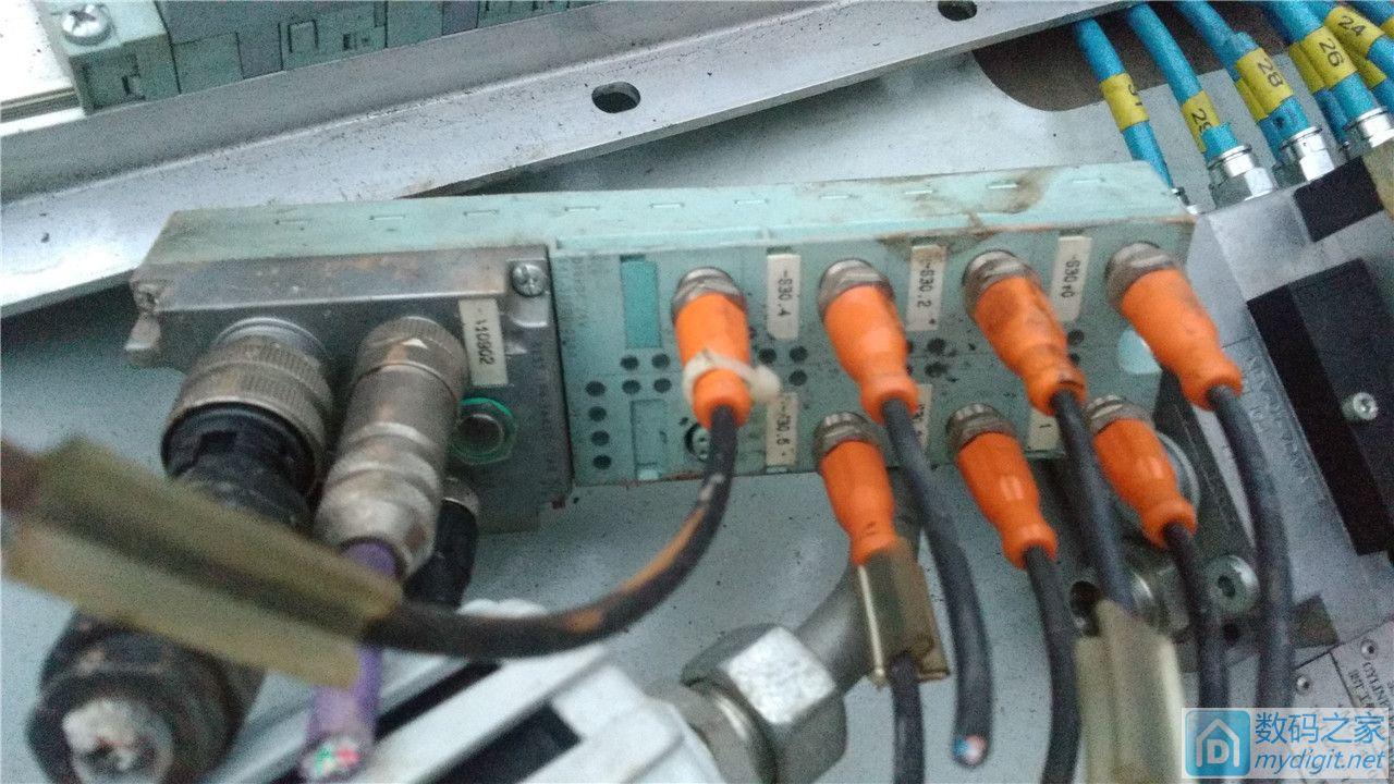 机芯 手机信号放大器 直流伺服驱动 西门子主站图片