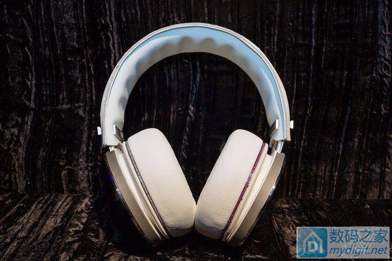 中国特供?日本安桥 CES 展销镶钻耳机,10万美金