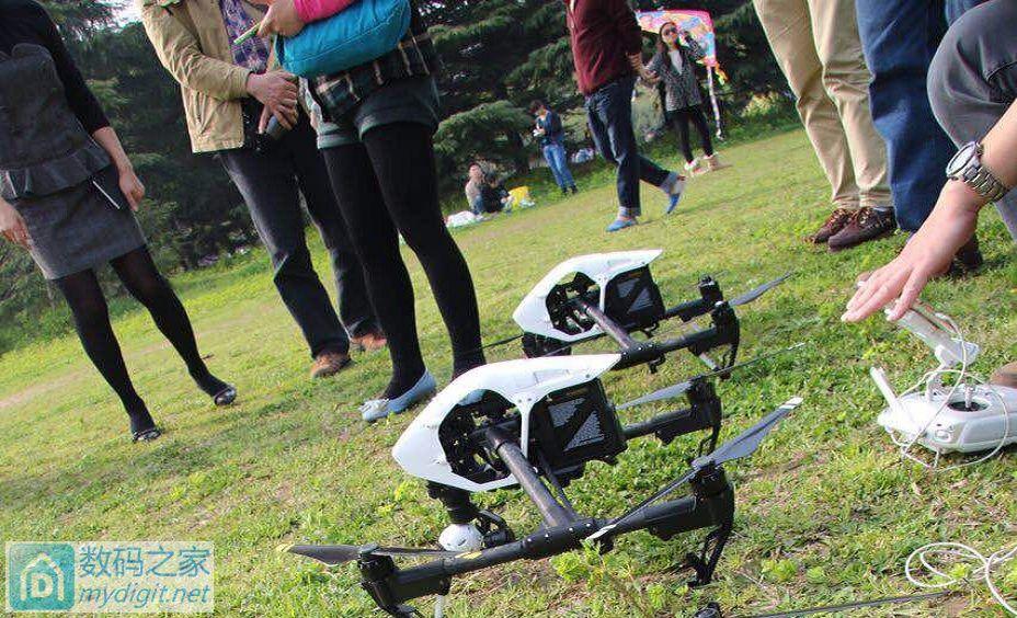 无人机编队飞行花样训练
