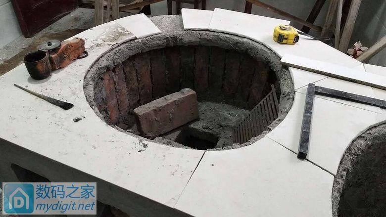 砌的灶台造的吗?