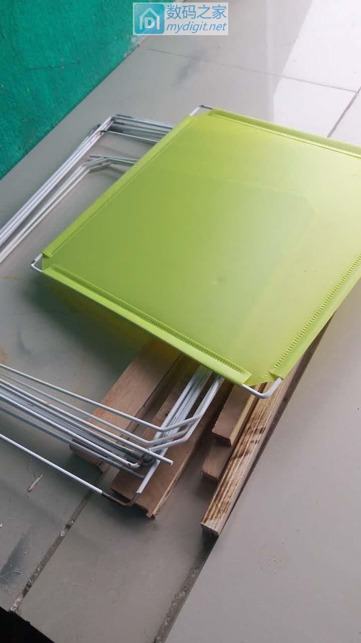 废旧钢丝用处大,锅盖有了好支架。