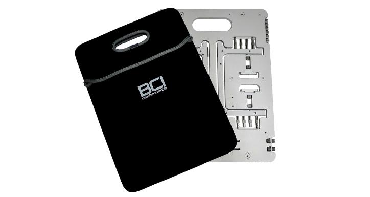 一块铝板的重生 Open Benchtable 菜板折叠电脑机架
