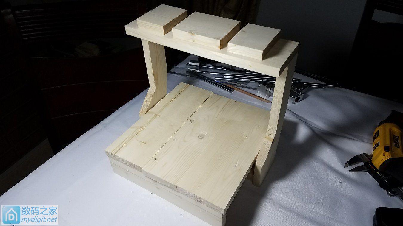 制作一个实木版移动龙门式迷你桌面雕刻机