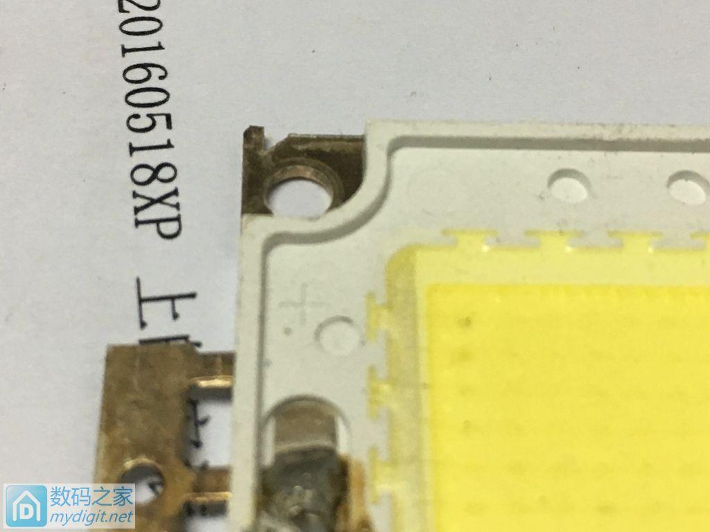 这种LED灯珠要多少V电压才能点亮