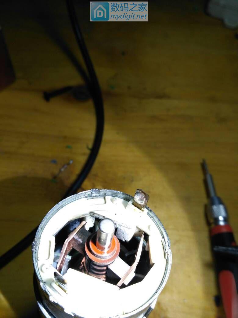 充电螺丝刀第二发,加装LDE照明。日本高儀的品牌 EARTH MAN