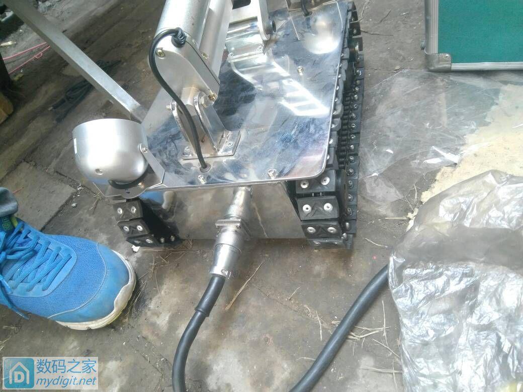 刚收来的 管道清洁 机器人