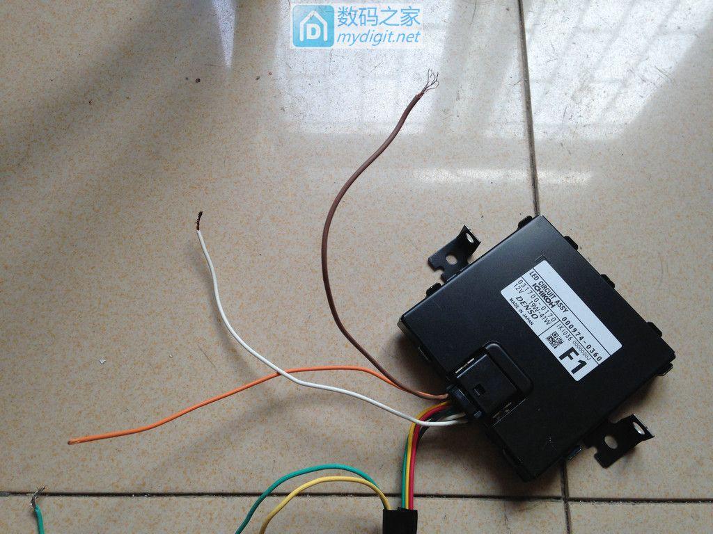 拆解斯巴鲁LED大灯并测试