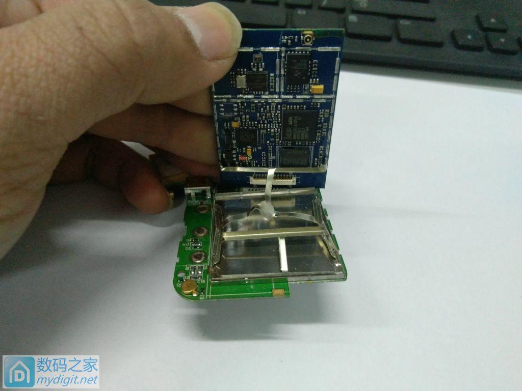 追女神的神器 ..拆一块GPS定位追踪器主板