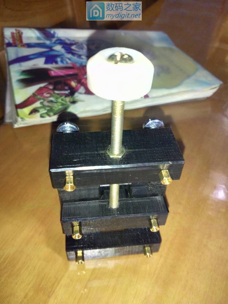 【莫莫】做个小台钳,同时感谢杨小伟同学送来的榴莲