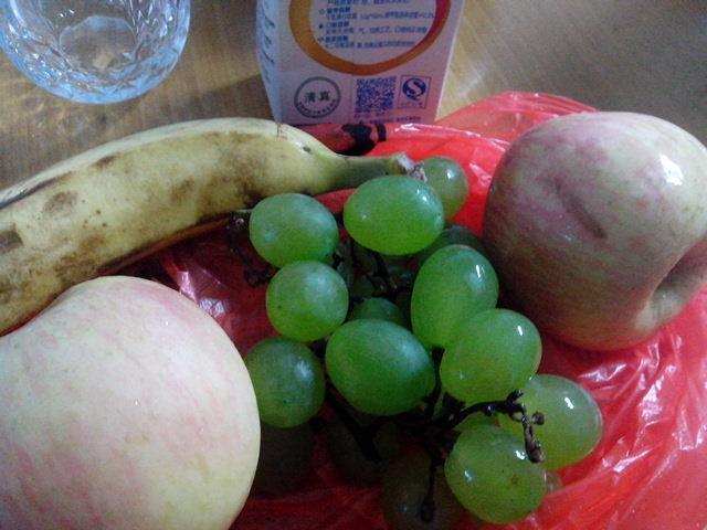 夏日制作果汁,口味如同营养快线般