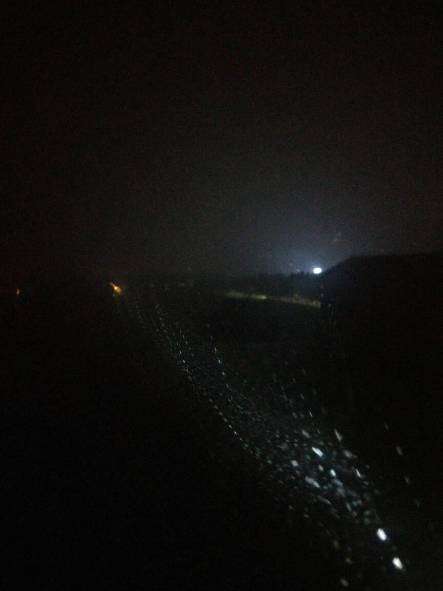 山东省临沂市暴雨模式启动 隔着窗子拍雨柱
