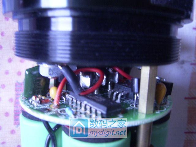 求助:海洋王RJW7100手提防爆式探照灯,直接打强光不亮,求电路图。谢谢合作!