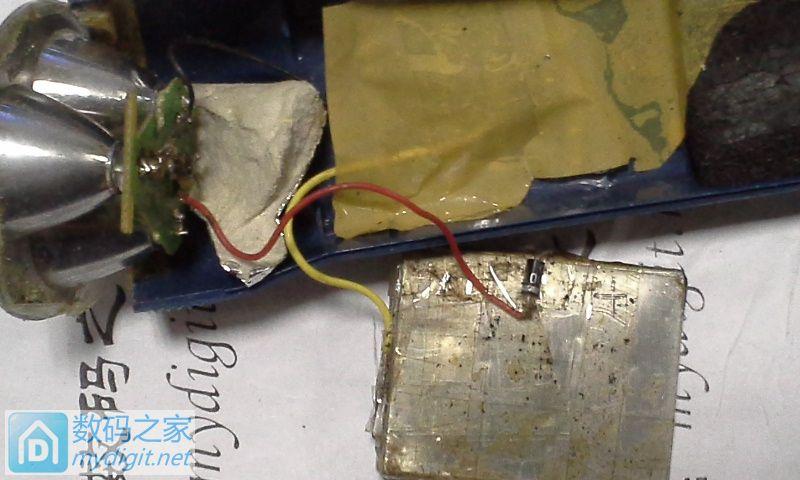 以前改的简易锂电池手电筒,很丑陋,充满一次电用三个多月。