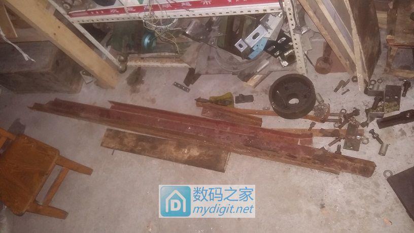历时两个月,终于把拼凑的一堆废铁变成了车床