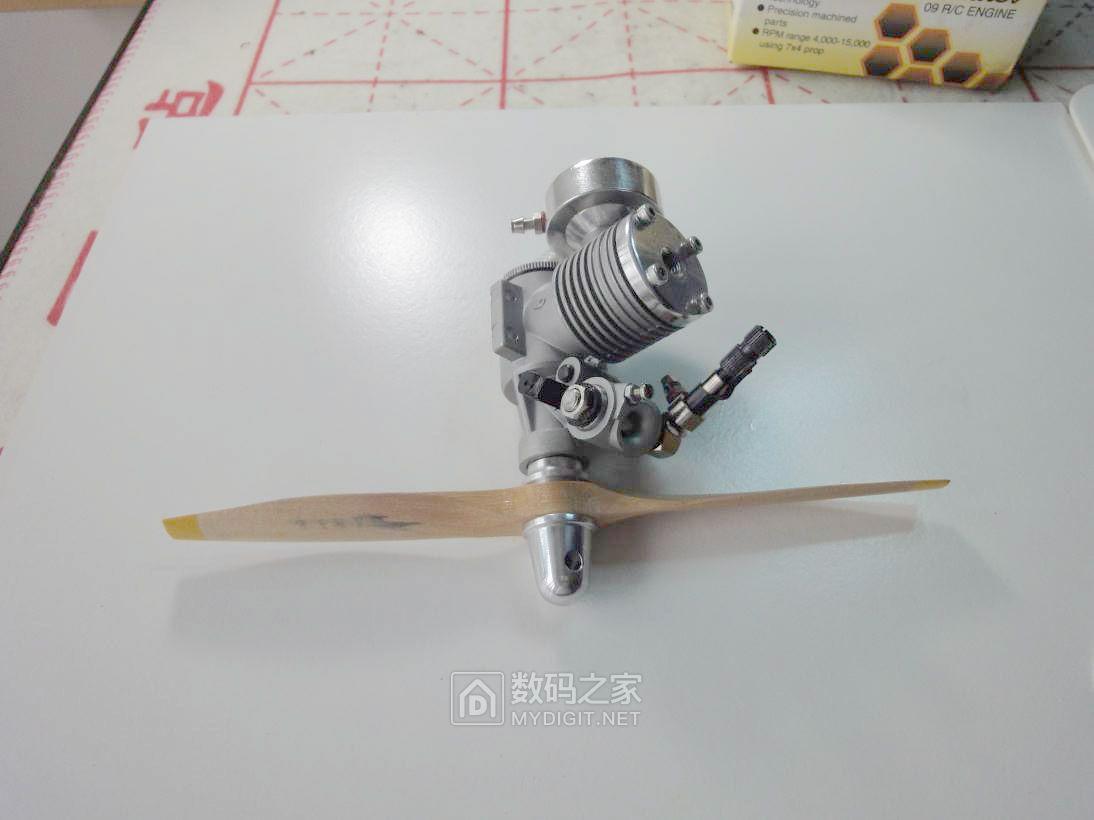 全面拆解美国大黄蜂AP飞机模型发动机