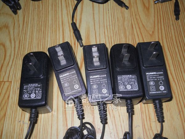二手路由电源适配器 12V 1A 10套 28元包非偏远地区韵达