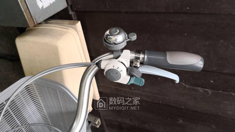 日本电动助力三轮车,带摇摆平衡机构,比一般三轮车好平衡