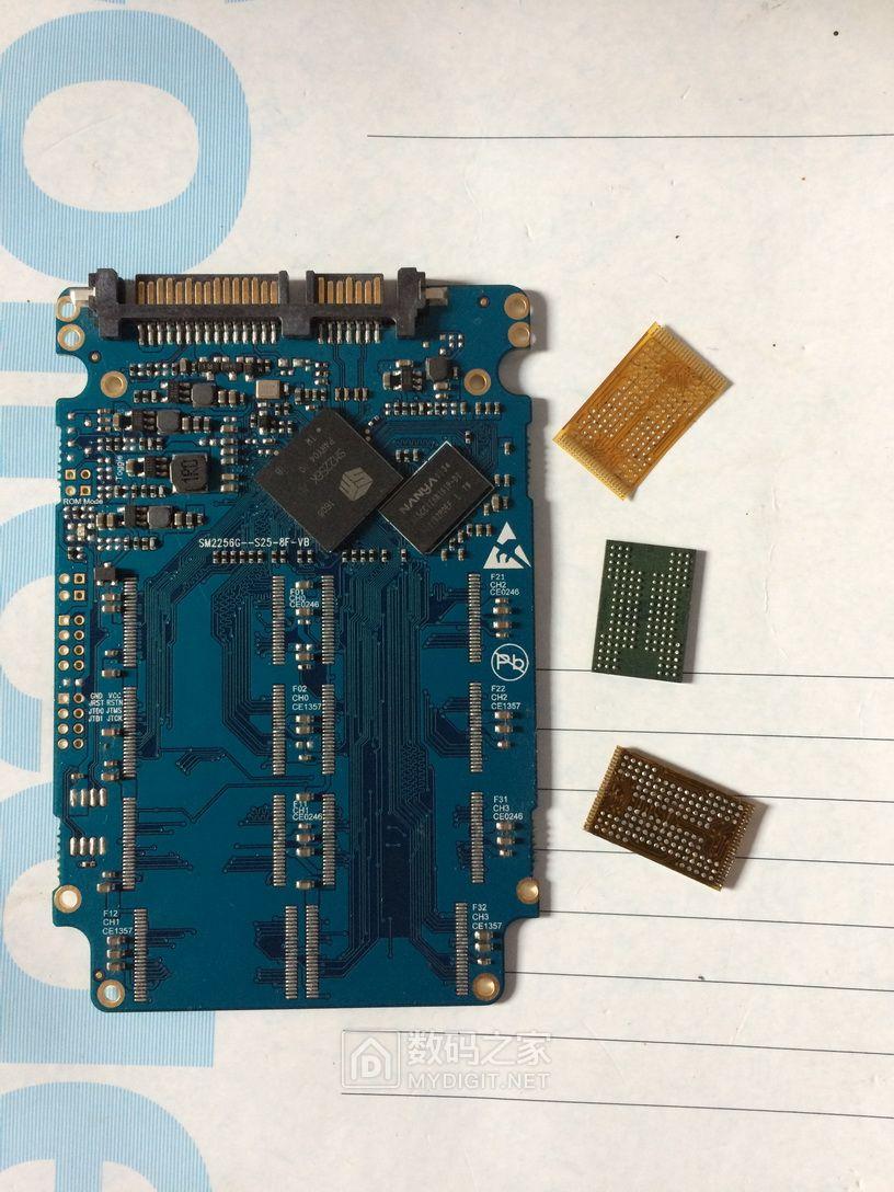图文直播SMI2256K主控120GB固态硬盘。