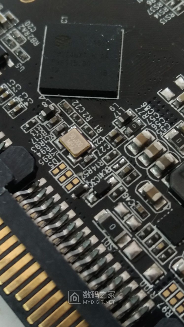 求助:SM2246XT H AA主控板开卡短接什么位置