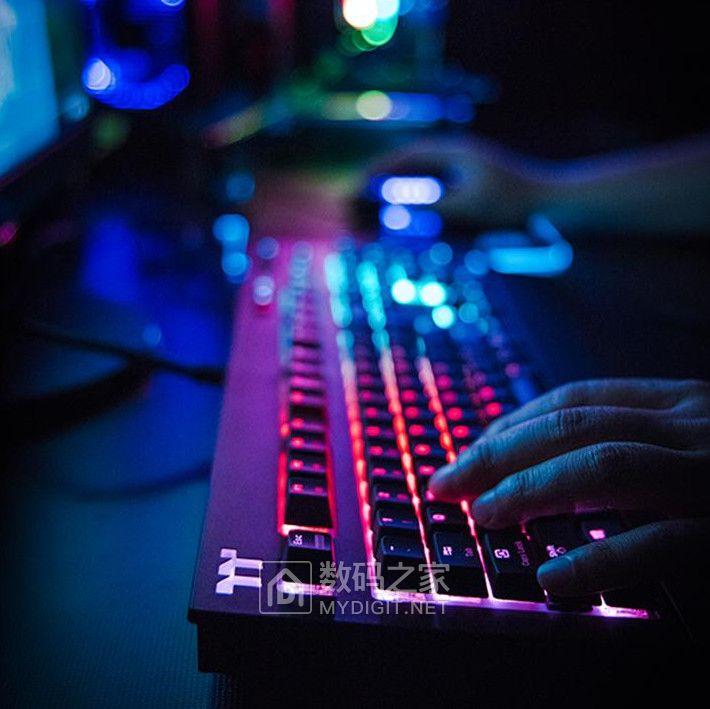 声控背光+虚拟手柄 耀越Premium X1 RGB电竞机械键盘新鲜上市
