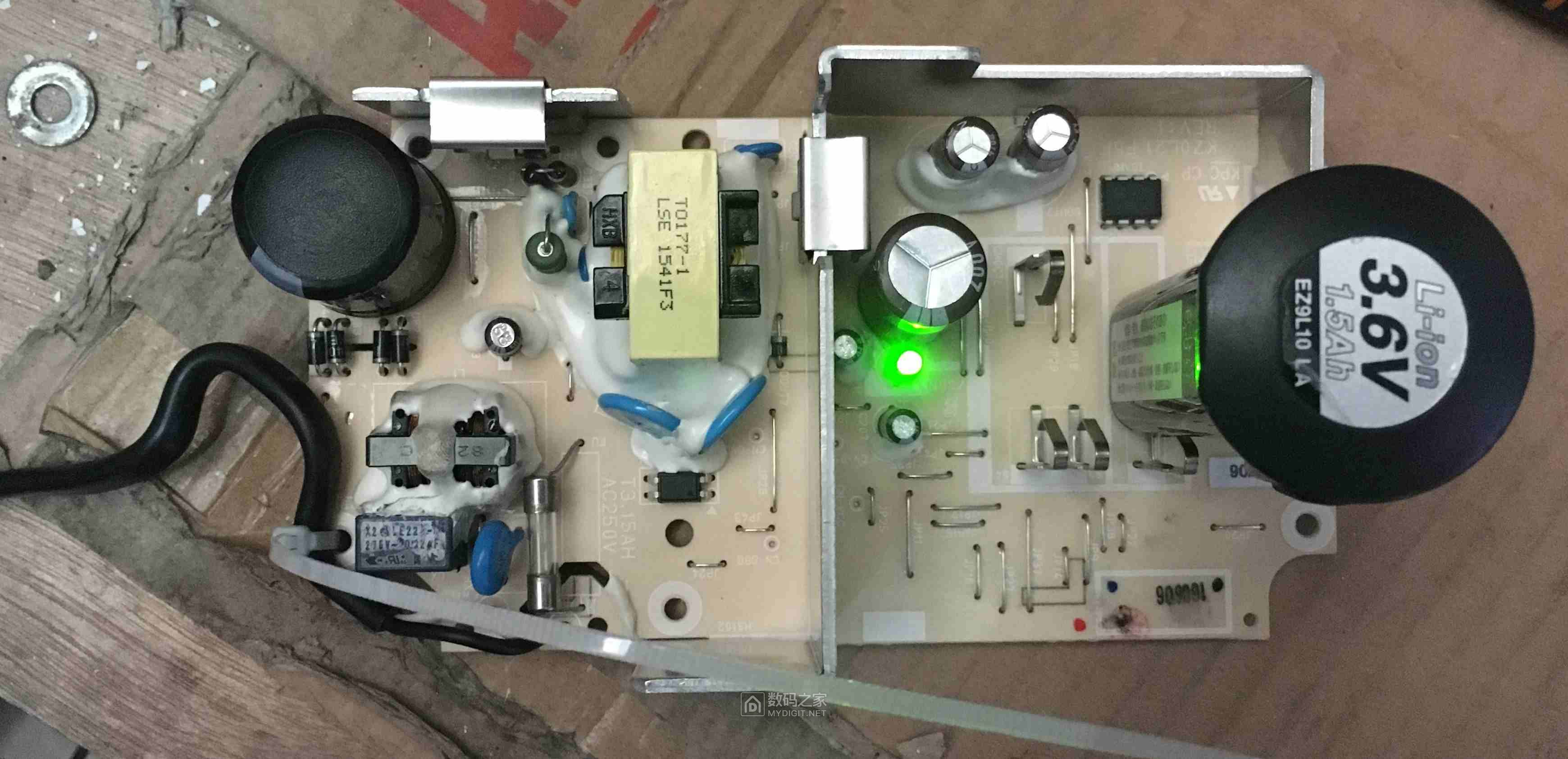 急求松下EZ0L21充电器100V改220V出现的问题