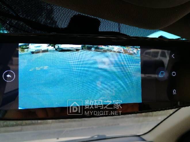 自己加装的行车记录仪和盲区摄像头