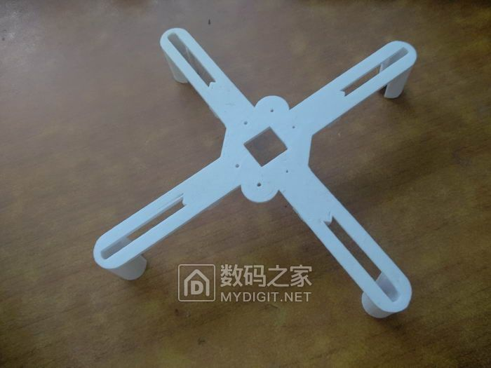 周末和孩子玩弘谷3D打印无人机