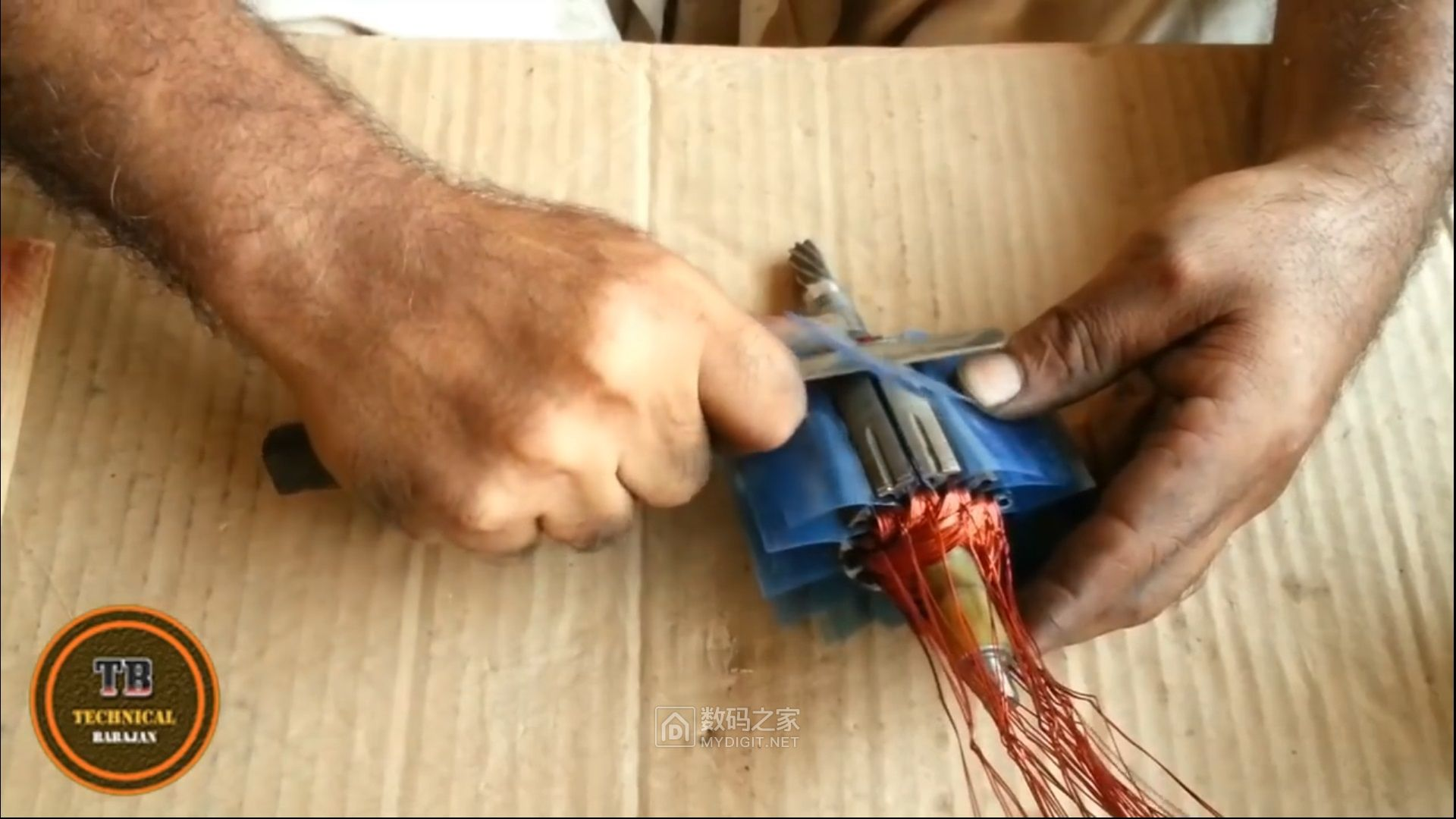 发一个德伟电圆锯转子重绕的视频(转载于油管)