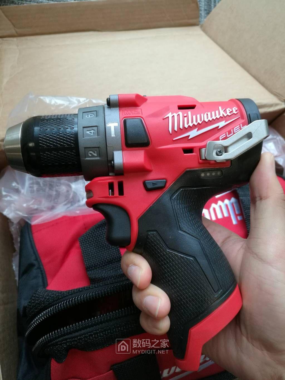 抚摸党海淘新工具米沃奇2598-22 M12套装 终于完全收到货了